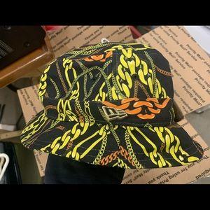 New Era Chains Bucket Hat